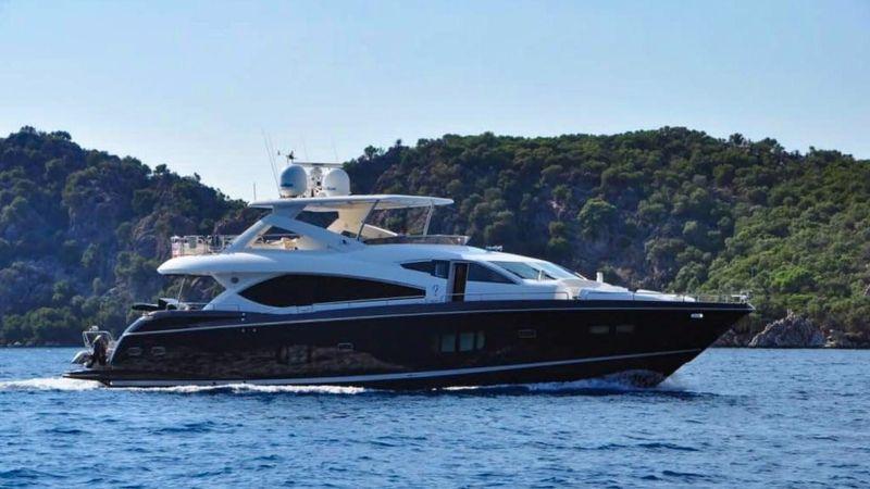 88' 2010 Sunseeker Yacht