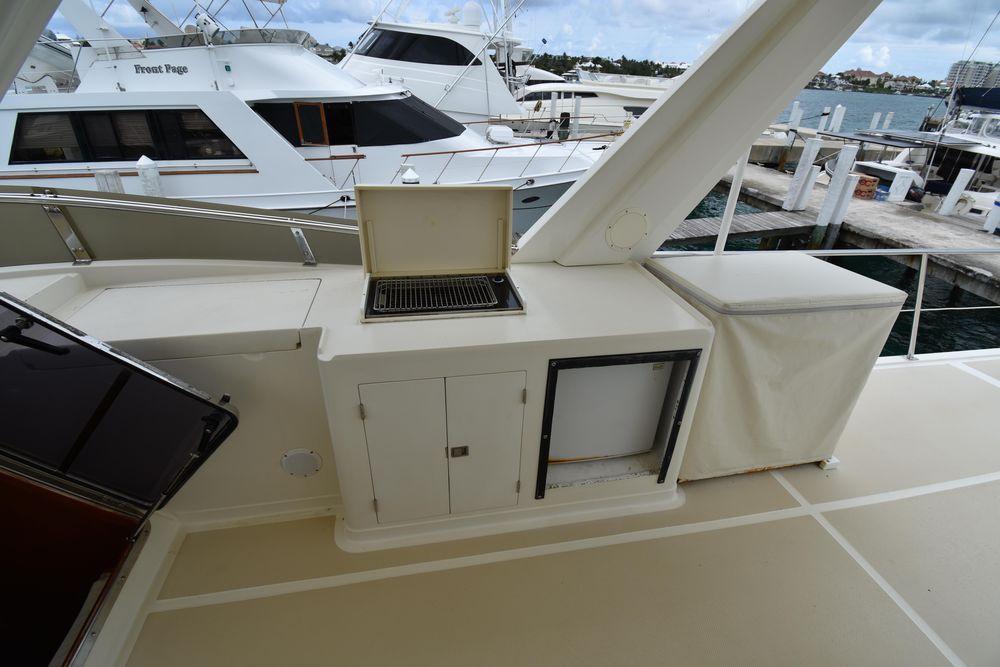 62' 2000 Offshore Yachts Pilot House