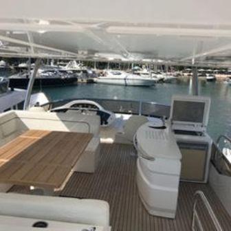 80' 2012 Sunseeker Yacht