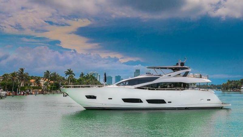 92' 2015 Sunseeker 28 Metre Yacht