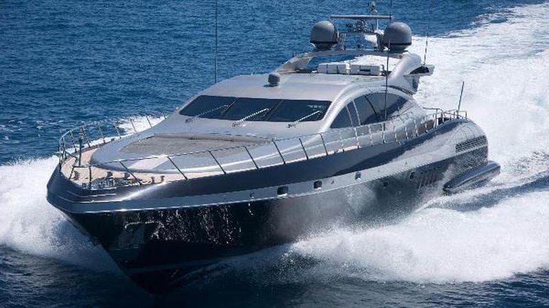 92' 2005 Mangusta 28m Overmarine