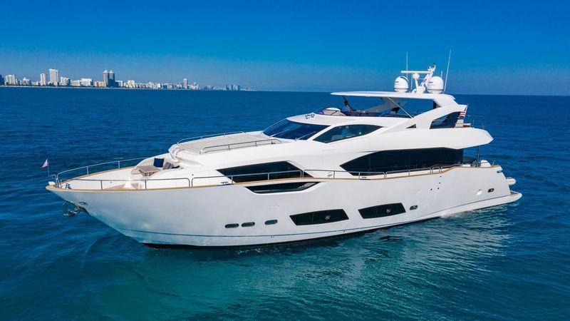 95' 2018 Sunseeker Yacht