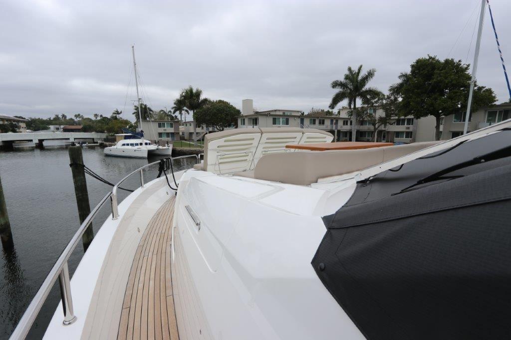 86' 2019 Sunseeker Yacht