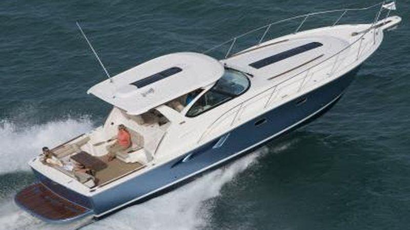 39' 2017 Tiara Motor Yacht