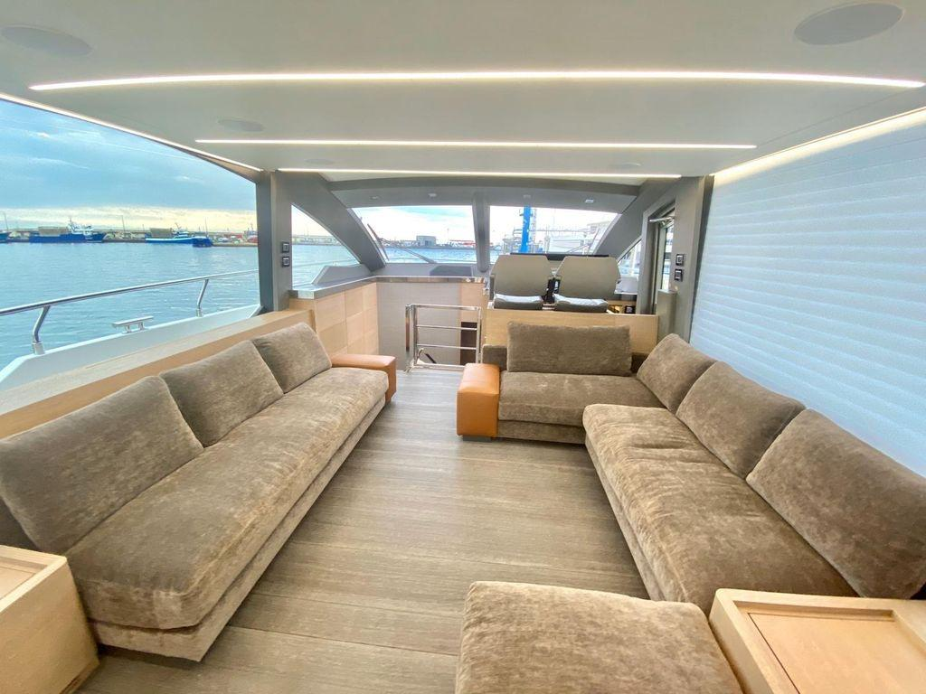 66' 2020 Astondoa Flybridge