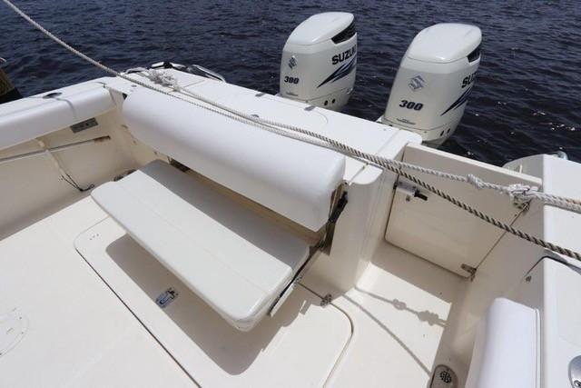 30' 2004 Pursuit 3070 Offshore