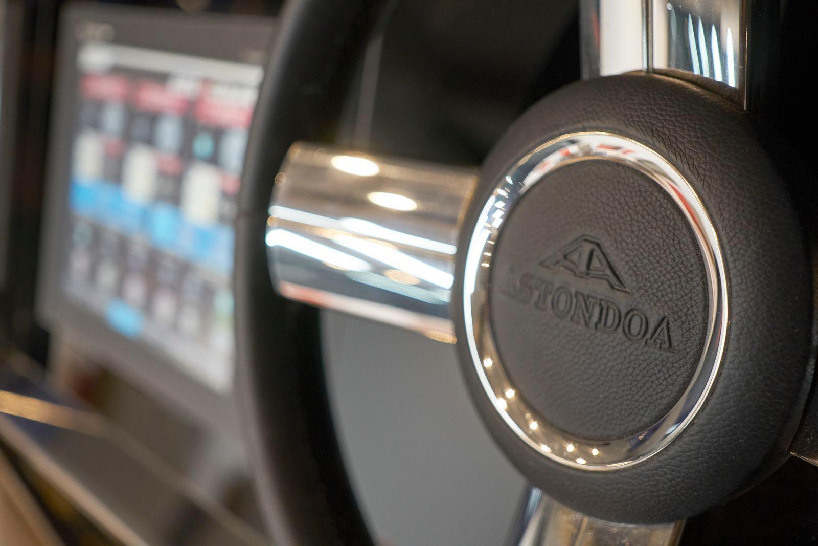 Astondoa 655 Coupe