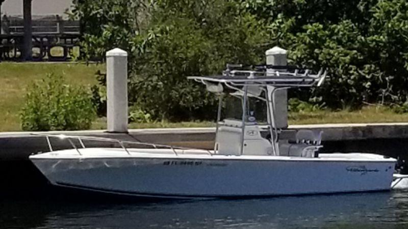 24' 2006 Albemarle 242 Center Console