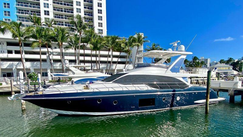 66' 2018 Azimut Fly Bridge
