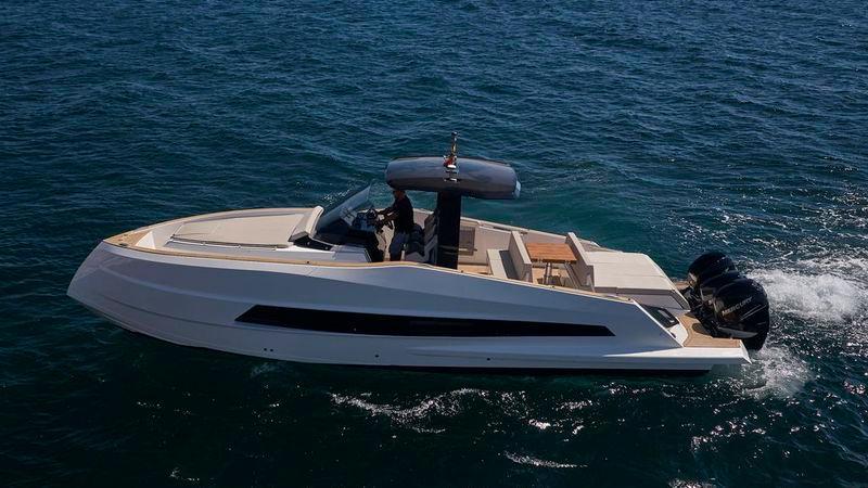 37' 2021 Astondoa 377 Coupe Outboard