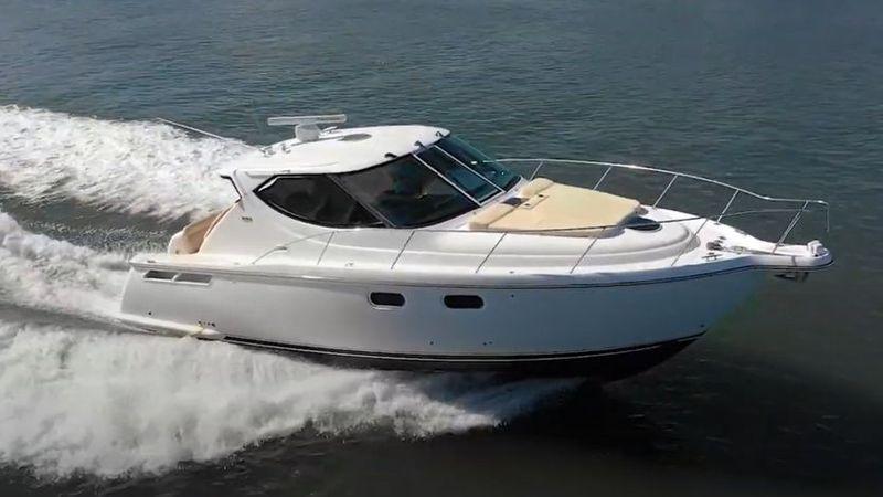 39' 2008 Tiara Yachts 3900 Sovran