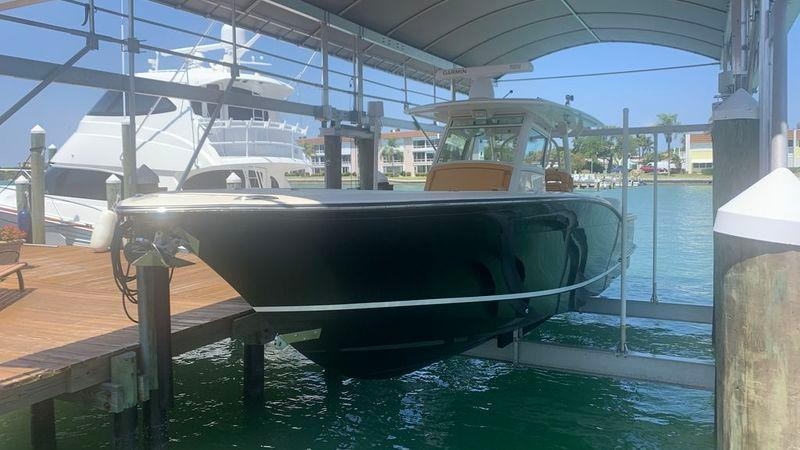 35' 2014 Scout 350 LXF