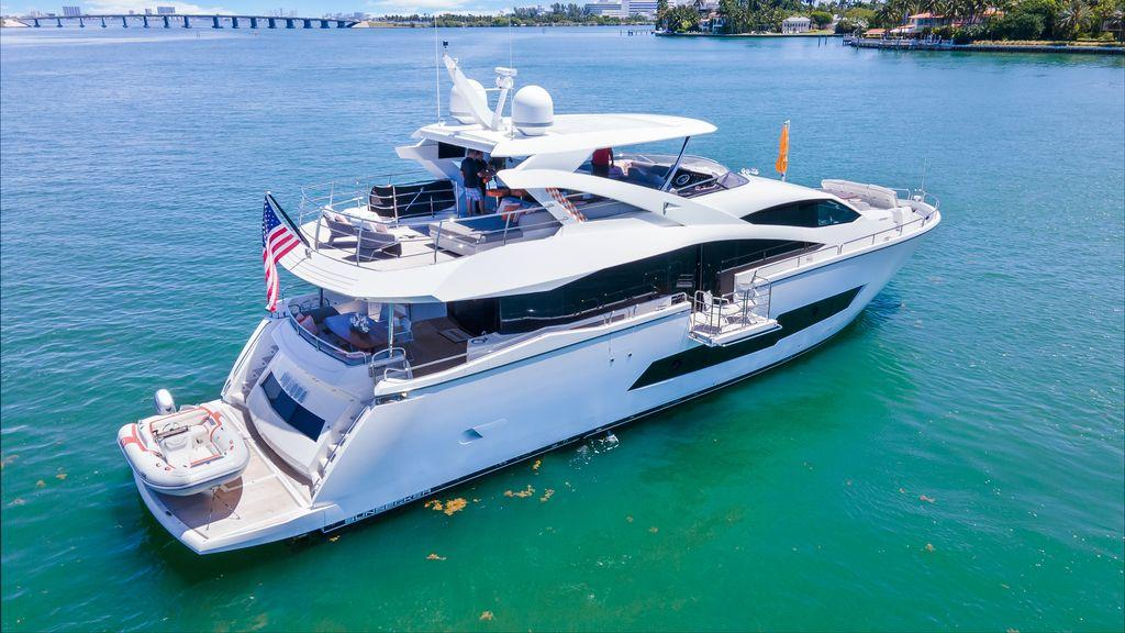 86' 2018 Sunseeker Yacht