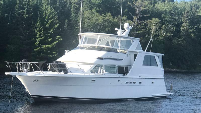 52' 1998 Hateras Sport Deck Motor Yacht