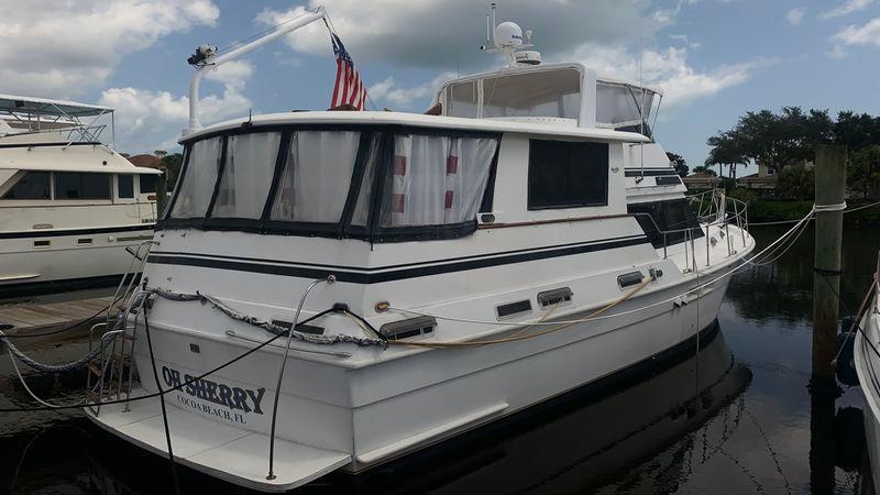 49' 1987 Gulfstar Motor Yacht
