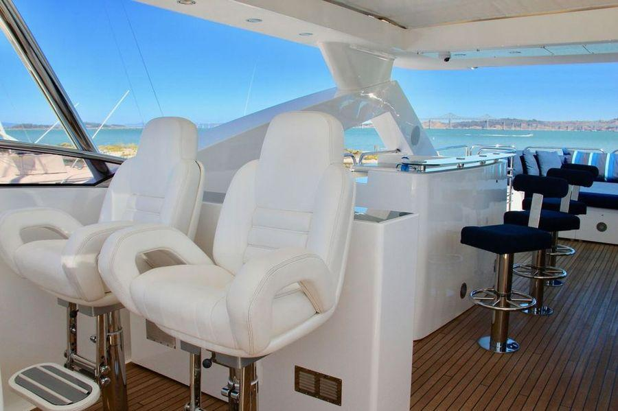 98' 2010 Sunseeker 30 Metre Yacht